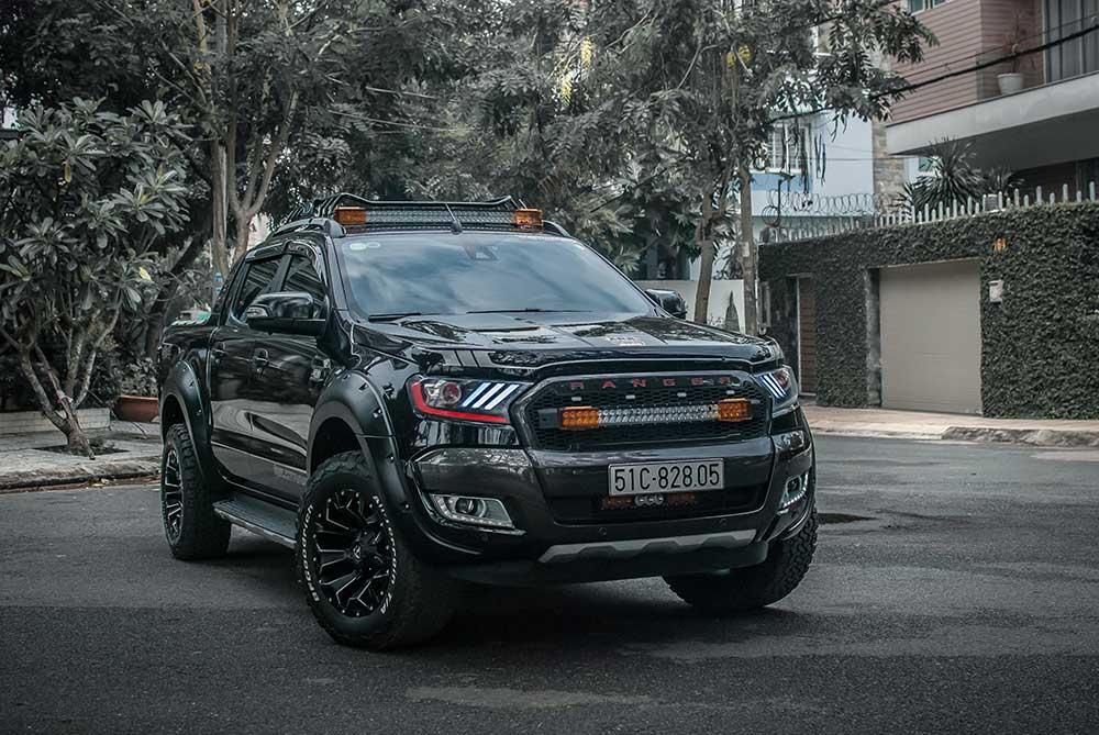 Gallery: Ford Ranger Wildtrak Đen độ Full Đồ chơi - Nova4x4