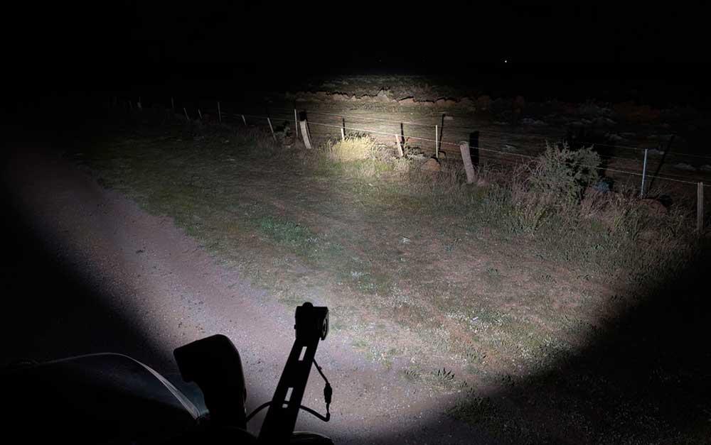 Ánh sáng chiếu xa của đèn C4 STEDI
