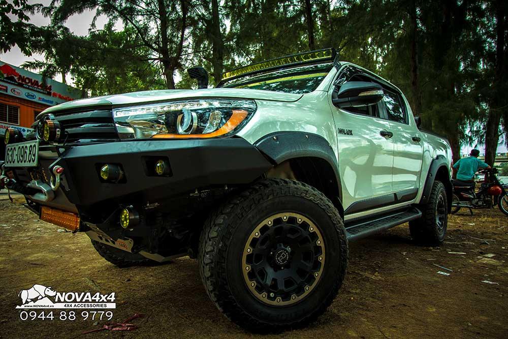 đèn độ Toyota Hilux