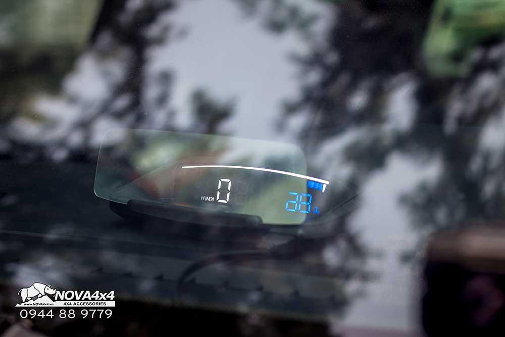 Hiển thị thông tin trên kính lái HUD