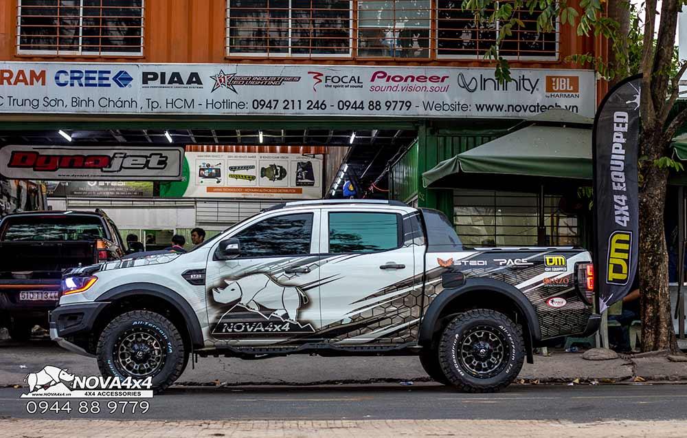 Ford Ranger lên đời Raptor - phiên bản Tê giác Trắng