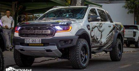 Bodykit Raptor kết hợp cùng bộ mâm lốp độ hầm hố