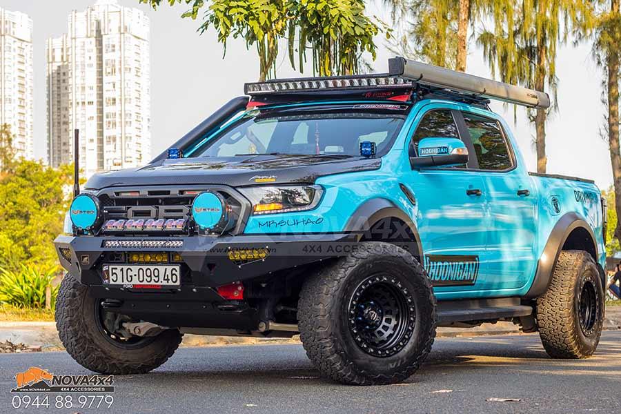 bán tải Ranger Raptor đầy phong cách