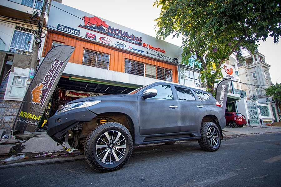 sơn Raptor xe Pajero Sport